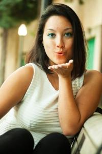 meesh_blowing_kisses_ann_bassette